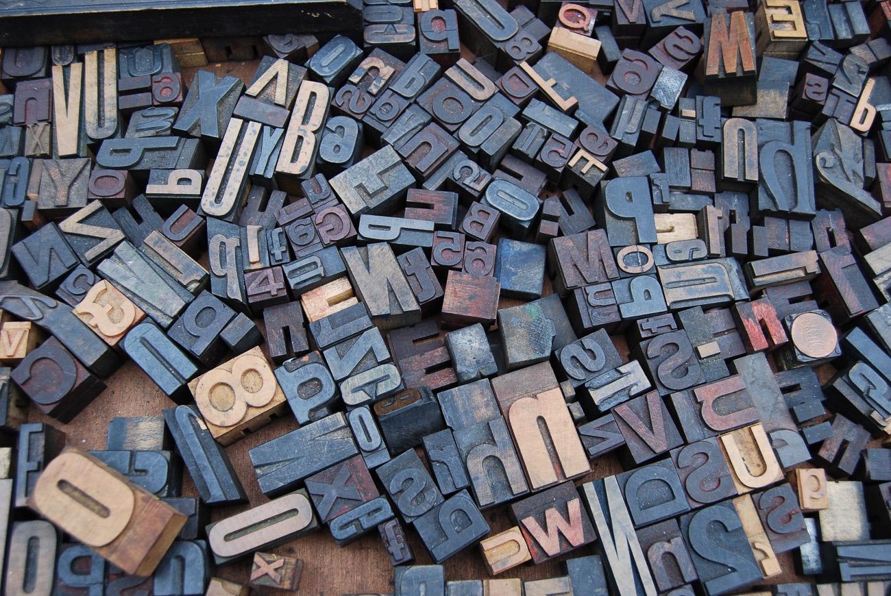 Materiały do nauki pisania i czytania po polsku i angielsku (kompatybilne z Montessori)